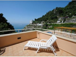 Apartment Nettuno in Maiori - Maiori vacation rentals