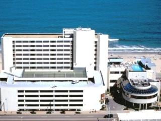 == Aug 8-15 only == DIRECTLY facing Ocean - Cocoa Beach vacation rentals