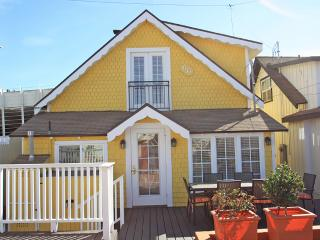 Steps to Strand, Steps to Beach, & downtown - Hermosa Beach vacation rentals