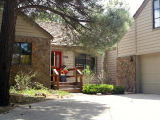 Newly renovated 4 bedroom 2.5 bath Stone Cottage - Flagstaff vacation rentals
