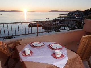 Peaceful waterfront apartments in a city center. - Podgora vacation rentals