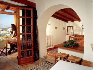 THE TRADITIONAL HOME OF LEONIDAS - Elounda vacation rentals