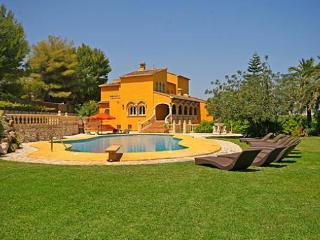 6 bedroom Villa in Javea, Alicante, Costa Blanca, Spain : ref 2127140 - Xabia vacation rentals