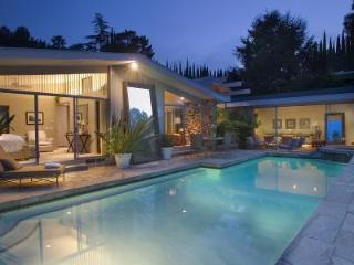 Exclusive Hollywood Mid-Century Modern Villa, courtyards, media room and jacuzzi - Los Angeles vacation rentals