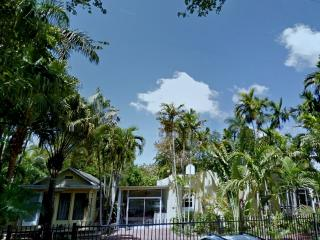 10P+Reunions*Large&Charming Property/Coconut Grove - Coconut Grove vacation rentals