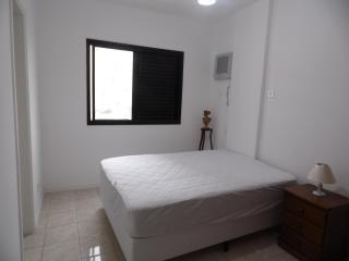 2 bedroom Condo with Internet Access in Santos - Santos vacation rentals