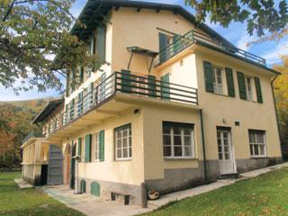 Spacious 11 bedroom Vacation Rental in Carpasio - Carpasio vacation rentals