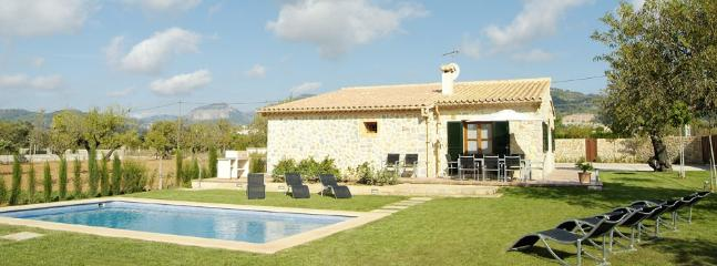 Nice finca in the centre Mallorca, pool and garden - Lloseta vacation rentals