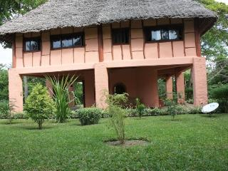 2 Bedroom Diani Beach Kenya Holiday Cottage with a pool in a secure compound 4pax - Ukunda vacation rentals