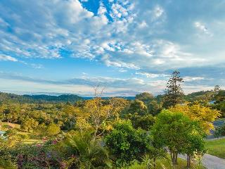 Stunning hinterland views. Tranquil 3 bed House - Sunshine Coast vacation rentals