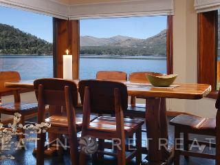 5 BED/3 BATH (H16) ON THE LAKE WITH AMAZING VIEWS! - San Carlos de Bariloche vacation rentals