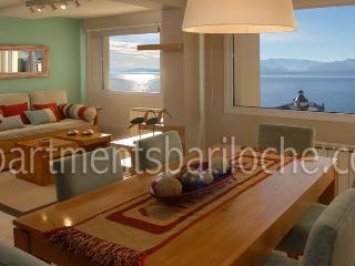LUXURY 2 BEDROOM/ 1 BATH (SM3) AMAZING LAKE VIEWS! - San Carlos de Bariloche vacation rentals