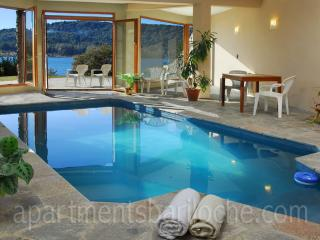 LUXURY 4 BED/ 3.5 BATH (H7) ON THE LAKE WITH POOL! - San Carlos de Bariloche vacation rentals