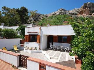 Casa Vacanze IL MELOGRANO - San Vito lo Capo vacation rentals