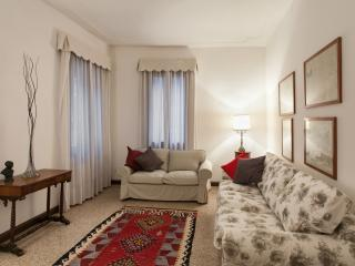 Apartment Sant'Angelo, 2 steps from St. Mark Square - Venice vacation rentals