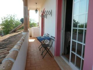 T1 Country Apartment with Air conditionning and swmming pool D. Nuno - Tomar vacation rentals