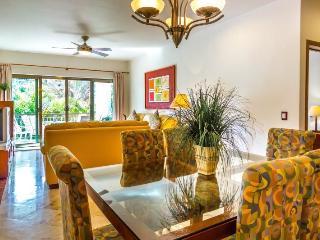 Beautifuloff 3 Bedroom home with Private Balcony - Playa del Carmen vacation rentals