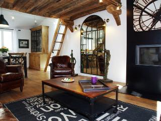 AT-HOME - Paris vacation rentals
