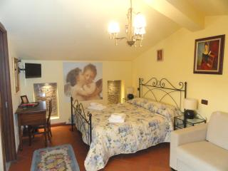 Tuscan Bed and Breakfast at Window to the Tower in Pisa - Pisa vacation rentals