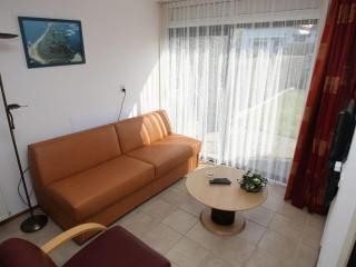 Nice Condo with Internet Access and Garden - Oosterend vacation rentals