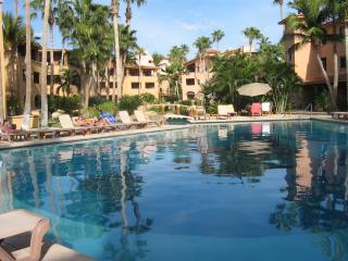 Beachfront  Com. Ocean/ Beach View Room Full Bath. - San Jose Del Cabo vacation rentals