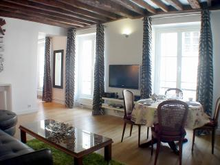 Marais Harmony - Spacious 1 bedroom apartment - Paris vacation rentals