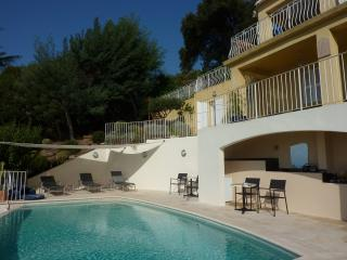 5 Bedroom Villa with a Hot Tub, in Rayol Canade, French Riviera - Le Rayol-Canadel vacation rentals