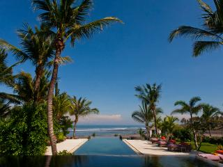 Mokenbo,Luxury 4-7 Bed,Beachfront Villa-Tabanan - Tabanan vacation rentals