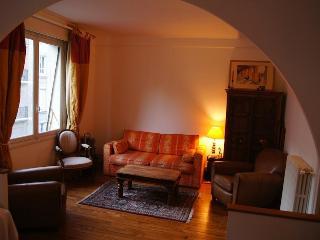 Suite Grande Armée - Champs Elysées area - Paris vacation rentals