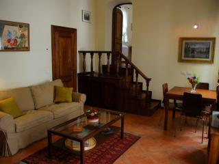 Nice 2 bedroom Condo in Florence - Florence vacation rentals