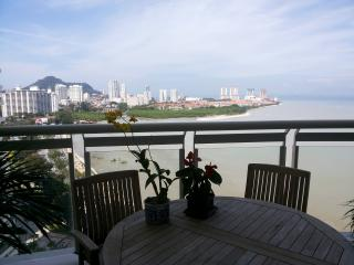 **ThePlace2B** A Luxurious Apartment on Gurney Bou - Penang vacation rentals
