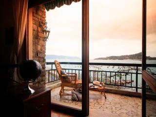 Casa Aragosta, seaview and garden in Portovenere - Cinque Terre vacation rentals