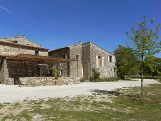 Les Claparedes ~ RA42222 - Saint-Martin-de-Castillon vacation rentals