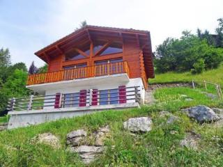 Double Rouge ~ RA8860 - Barboleusaz vacation rentals