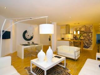 Perfect Condo with Internet Access and A/C - Valencia vacation rentals