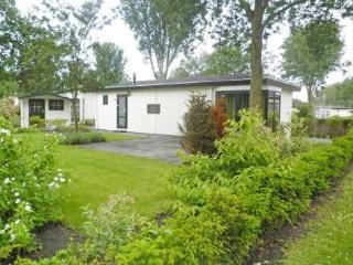 DroomPark Molengroet ~ RA36952 - Noord-Scharwoude vacation rentals