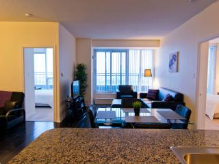 Deluxe 2 Bedroom Suite With Breathtaking Views - Mississauga vacation rentals