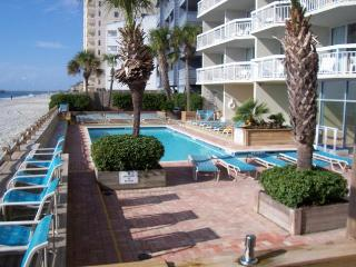 Spectacular Ocean Front Condo... Garden City Beach, South Carolina - Garden City Beach vacation rentals