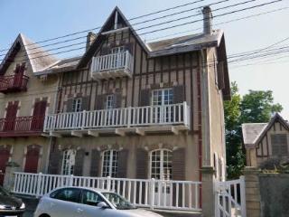 Villa Le Cyclamen ~ RA24641 - Courseulles-sur-Mer vacation rentals