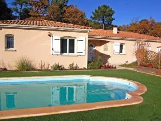 Résidence la Garenne ~ RA25303 - Les Mathes vacation rentals