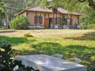 Maison Hollebarde ~ RA25811 - Leon vacation rentals