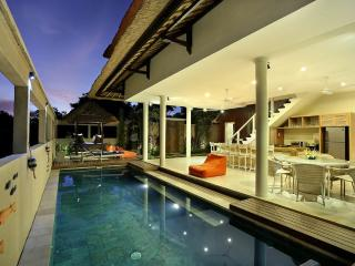 Nice Villa with Deck and Internet Access - Nusa Lembongan vacation rentals
