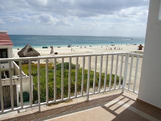 CORALES Ocean view 2BR suite - Puerto Morelos vacation rentals