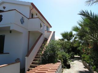 Cà Venturina Relax surrounded by blossoming garden - Calasetta vacation rentals
