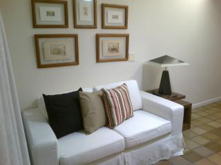 Beautiful 2bd/2br Condo near beach, Ondina Apart - Salvador vacation rentals