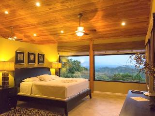 Casa Sophia: Private, Cozy & Treetop Ocean Views! - Manuel Antonio vacation rentals
