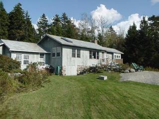 2 bedroom House with Parking in Stonington - Stonington vacation rentals