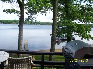 Lake front cottage on scenic Hudson Lake - New Carlisle vacation rentals