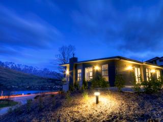 4 Bedroom Eco-Friendly House with Remarkable Views - Queenstown vacation rentals