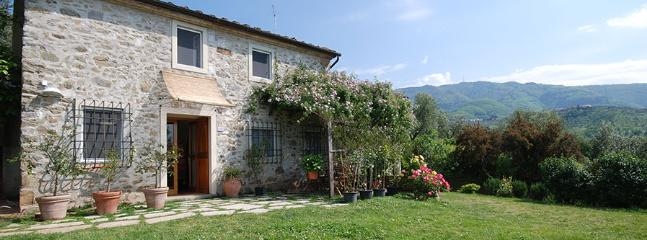 Casa Emiliana - Casa Salvia. Beautiful Stone Villa with breathta - Lucca - rentals